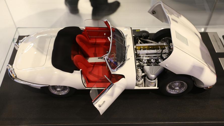 Les (très belles) maquettes Jaguar du Mondial de l'Auto