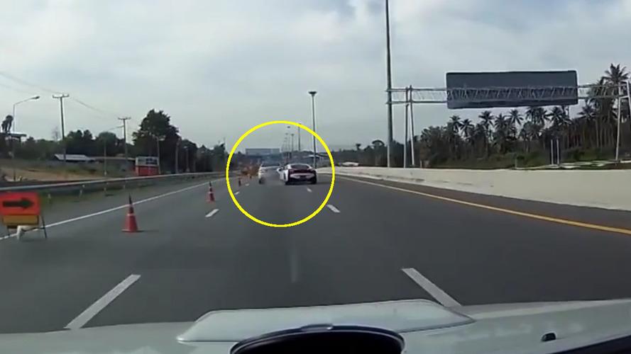 BMW i8 and Mercedes Kaza Videosu
