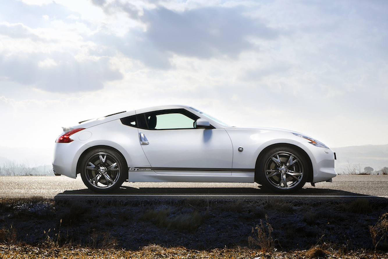Next-Gen Nissan Z Could Have a Hybrid Engine, Targa Top