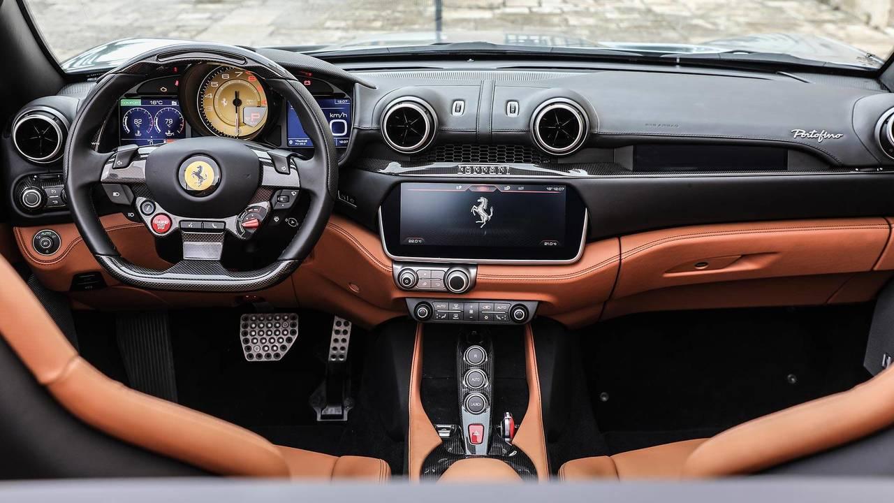 Apple CarPlay - 3000 €