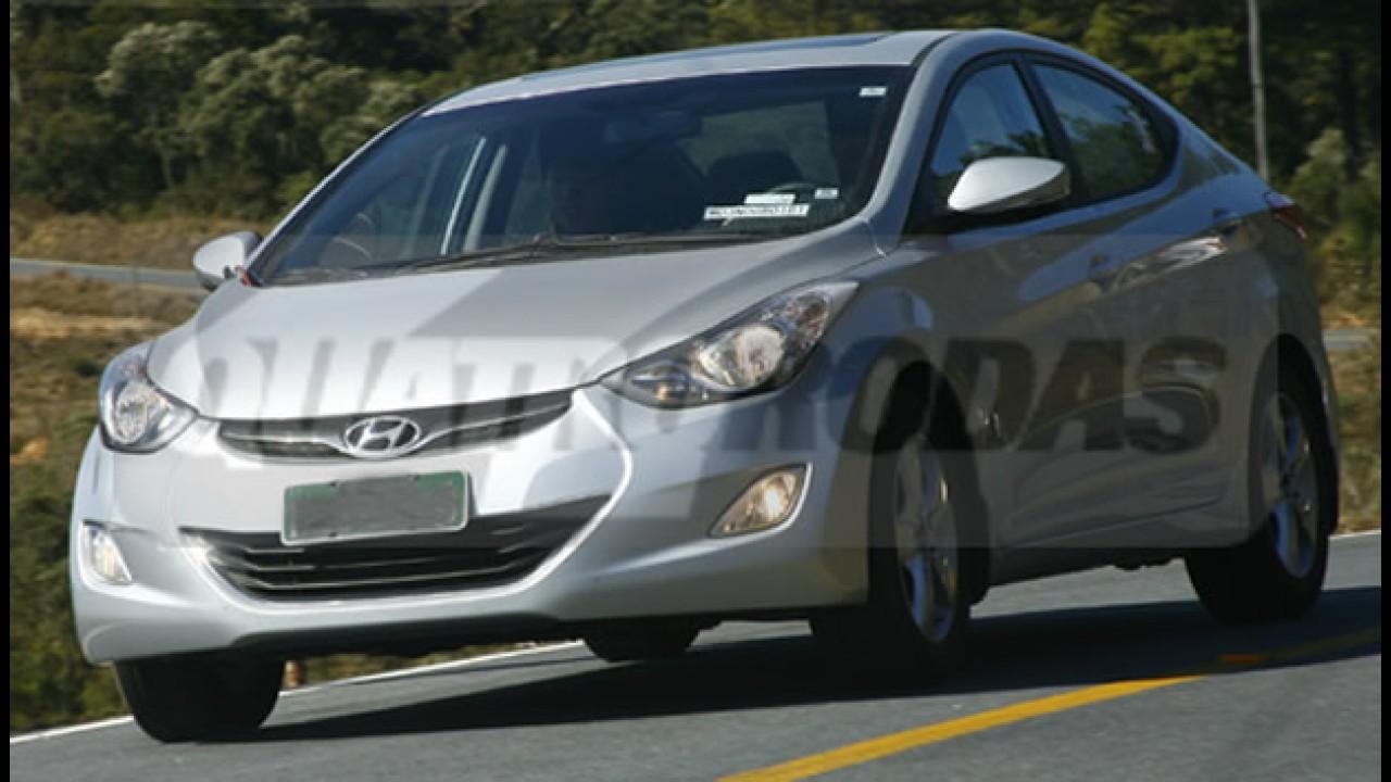 Revista flagra Novo Hyundai Elantra sem disfarces em SP