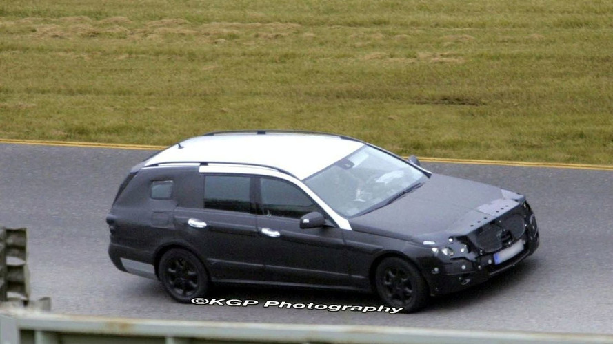 Mercedes E-Class Wagon First Spy Photos