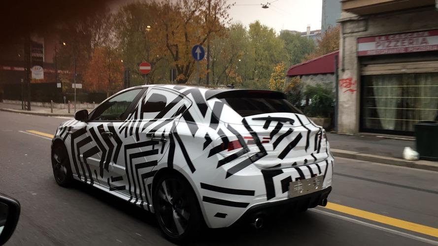 İlginç Alfa Romeo Giulietta prototipi dikkat çekiyor