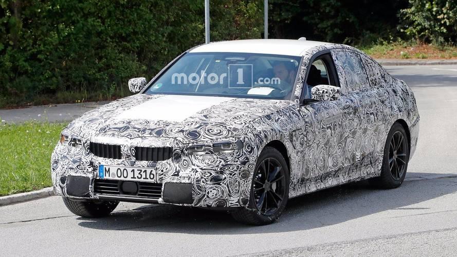 Next-Gen BMW 3 Series Spied Showing Its Digital Instrument Panel