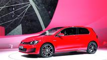 Volkswagen Golf VII GTD filmed in the metal, including 0-100 km/h sprint
