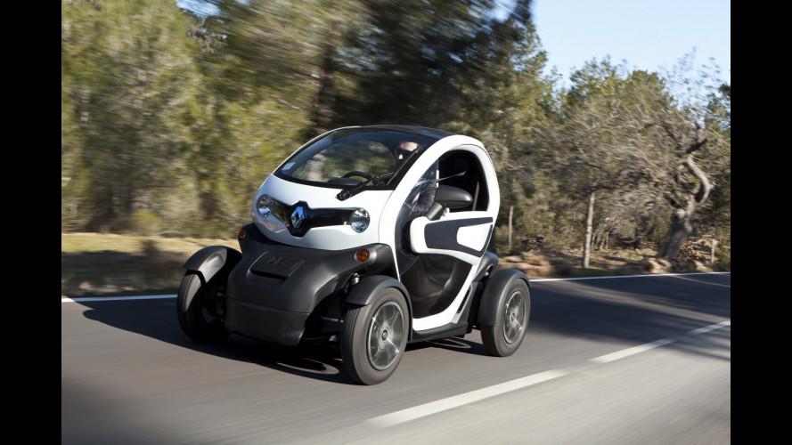 L'auto elettrica Renault scende in piazza