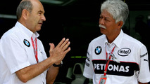 Peter Sauber (SUI), BMW Sauber F1 Team, Team Advisor and Tan Sri Mohd Hassan, President and CEO of Petronas, Malaysian Grand Prix, Kuala Lumpur, Malaysia, 23.03.2008