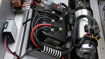Engine compartment of the F-CELL Roadster