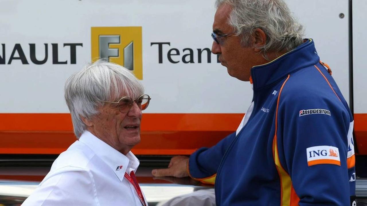 Bernie Ecclestone (GBR) and Flavio Briatore (ITA), Turkish Grand Prix, 11.05.2008 Istanbul, Turkey