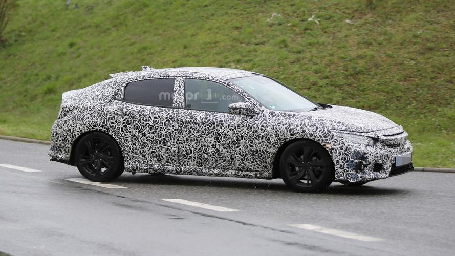 Honda Civic Hatchback spied in Europe