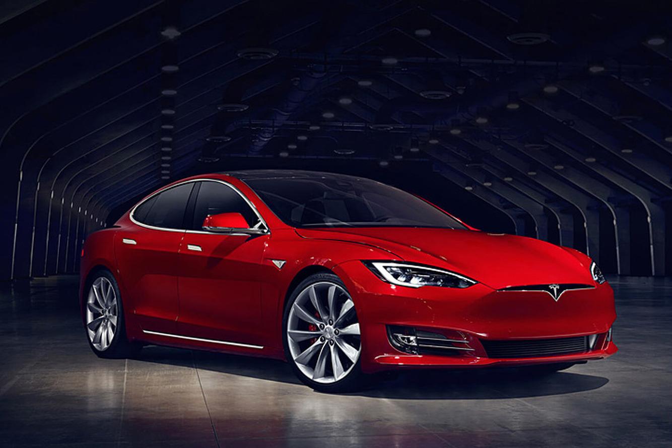 Tesla'nın başı Model S P85D ile dertte