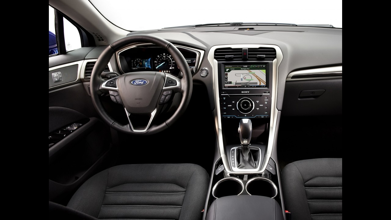 Ford Fusion terá visual atualizado e novo interior em 2016