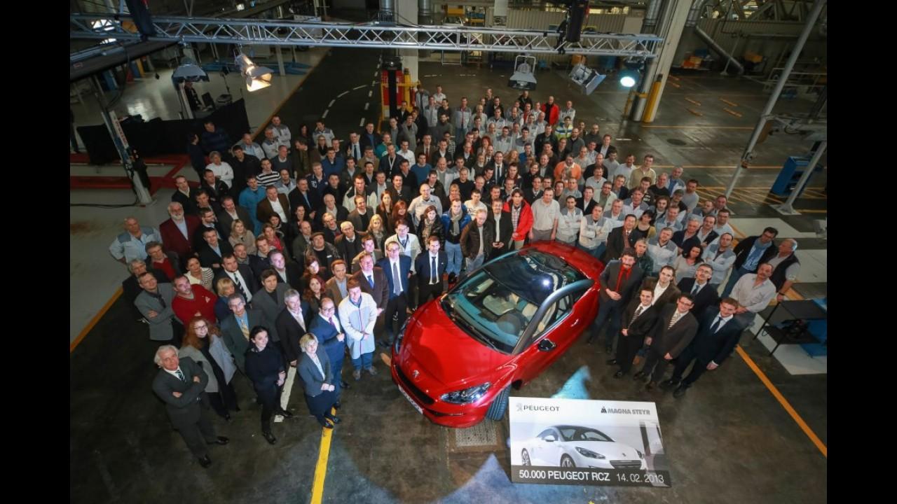 Peugeot comemora produção de 50.000 unidades do cupê RCZ na Áustria