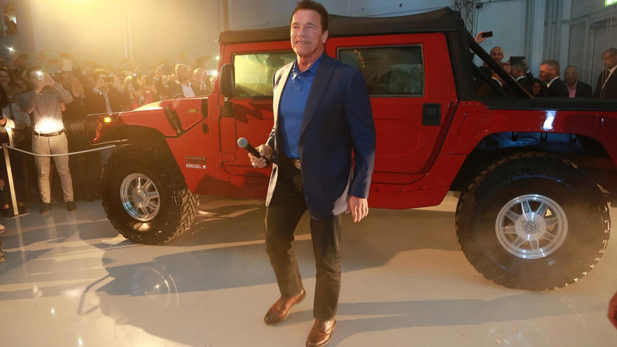 Arnold Schwarzenegger Presents Prototype For Electric Hummer H1