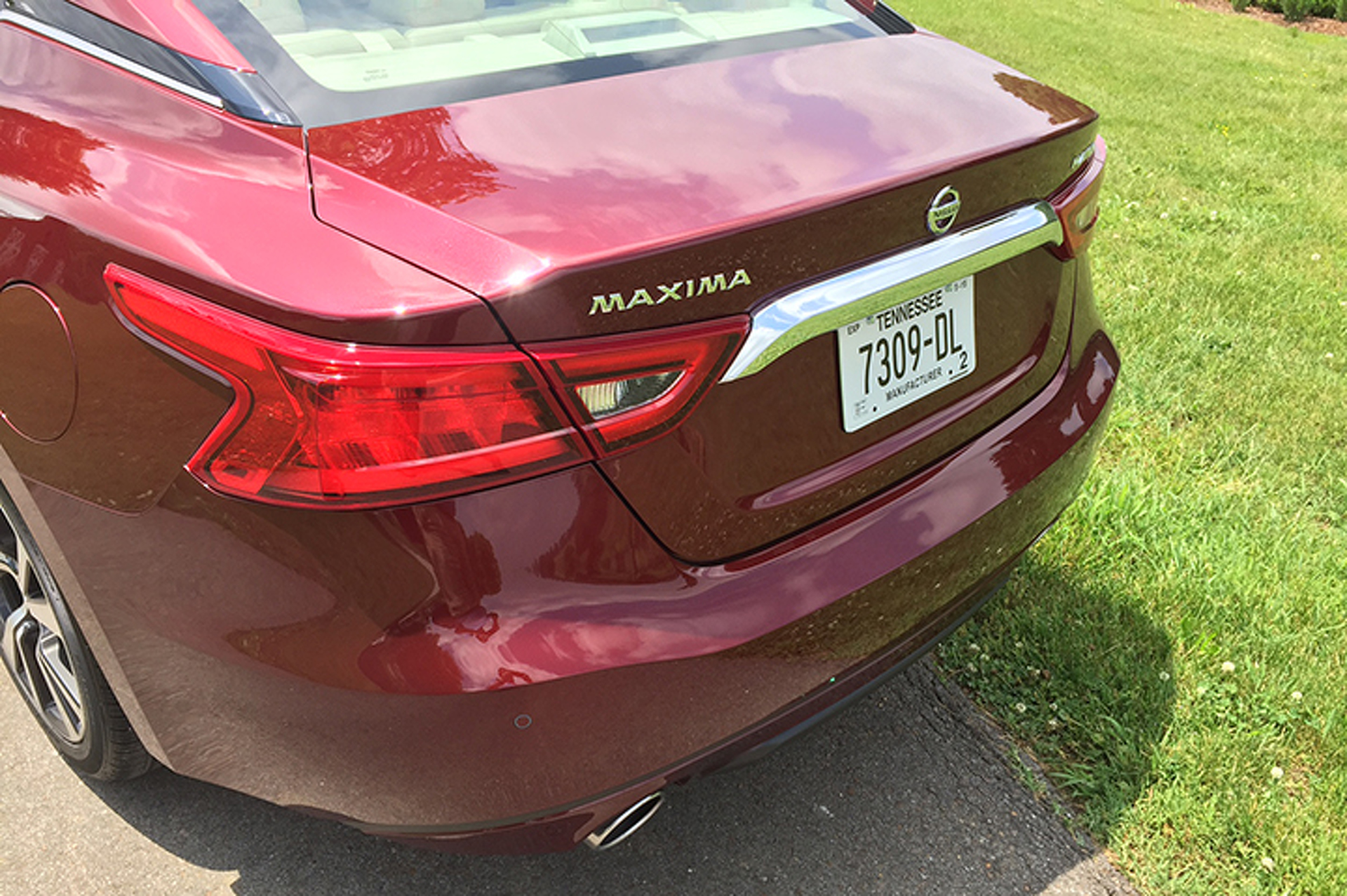 The 2016 Nissan Maxima Isn't a Sports Sedan, But It's Engaging: First Drive