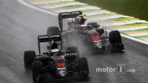 McLaren confirms talks with Apple