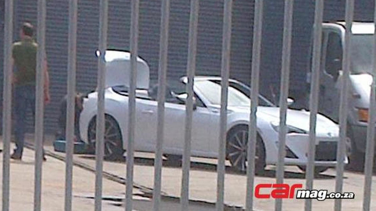 Toyota GT 86 Convertible spy photo 15.2.2013