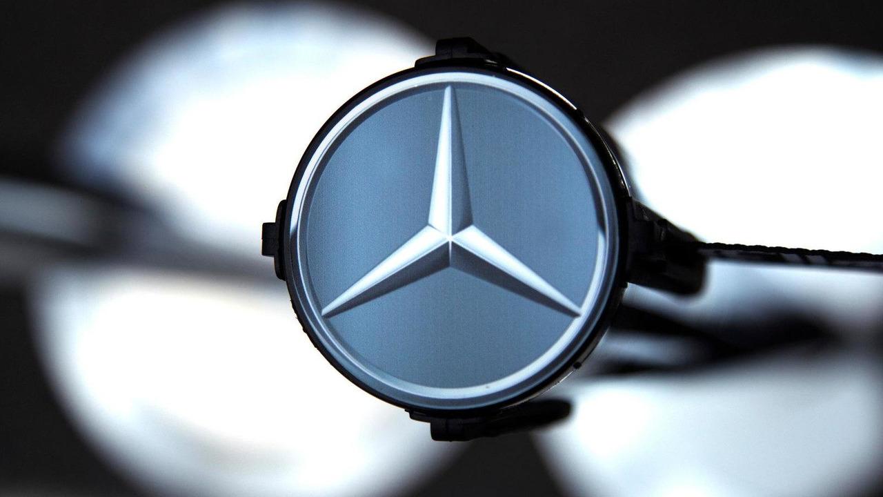 Mercedes-Benz emblem, Mercedes AMG W03 F1 car 14.08.2012