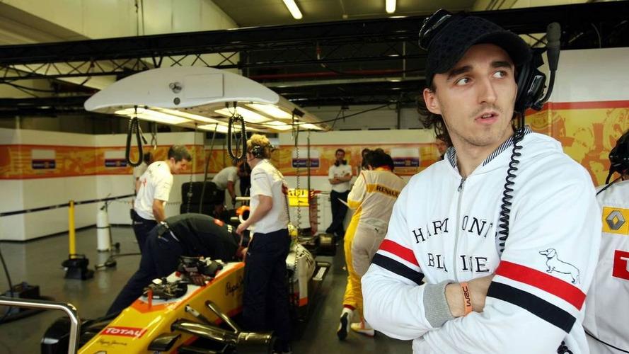 Kubica may start Renault testing without teammate