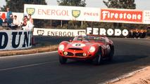 Phil Hill - Phil Hill figura, como Hawthorn, entre los campeones cuyo legado es quizás el menos conocido de la actual generación, aunque sus registros son realmente impresionantes. Ha ganado las 24 Horas de Le Mans en tres ocasiones: en 1958, 1961 y 1962 (foto), siempre con el belga Olivier Gendebien de compañero y siempre con Ferrari.  Photo by: LAT Images