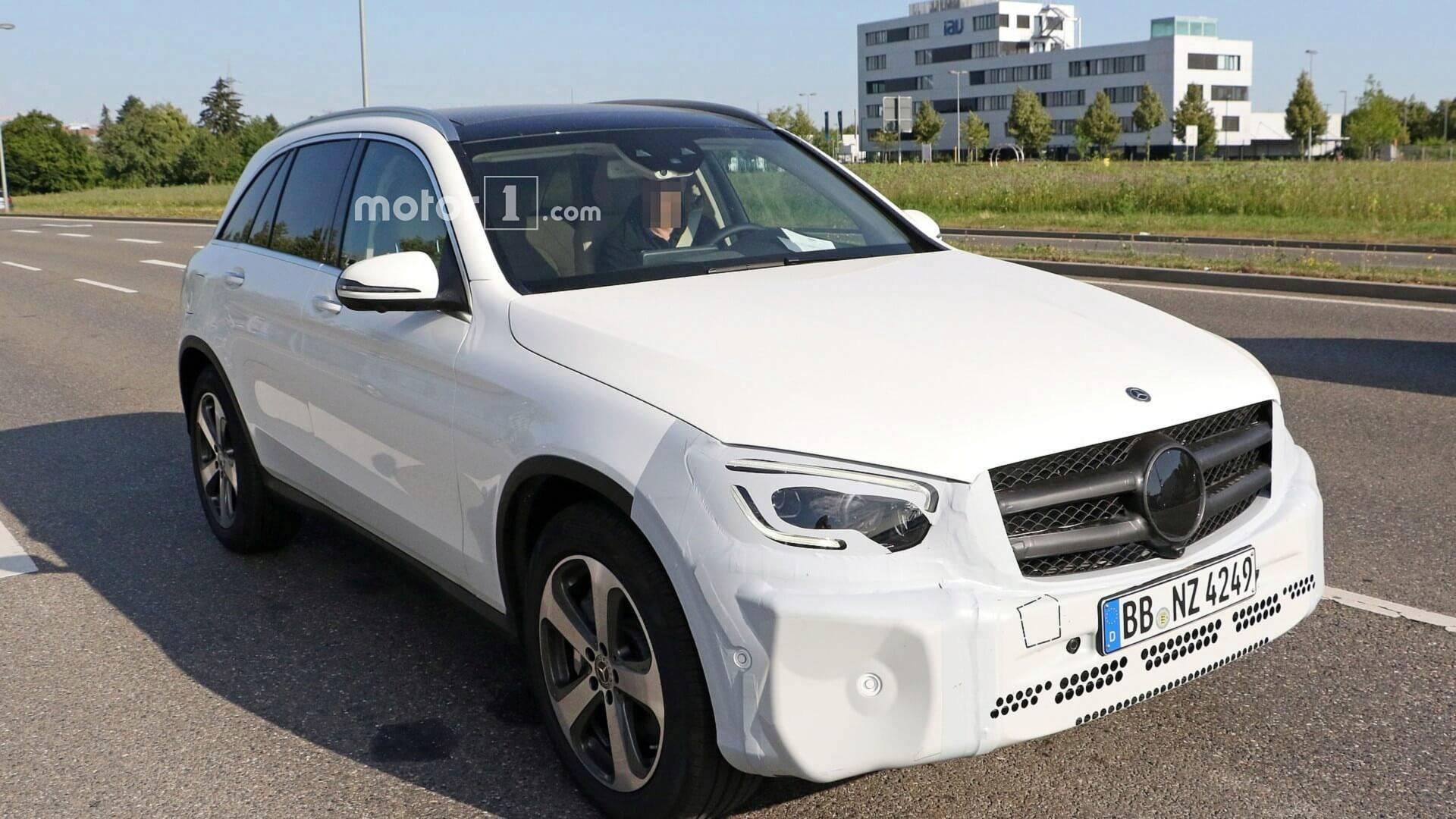 2018 - [Mercedes-Benz] GLC/GLC Coupé restylés 2019-mercedes-glc-facelift-spy-photo
