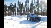 Jaguar mostra o F-Pace sendo testado em condições extremas (neve e deserto)