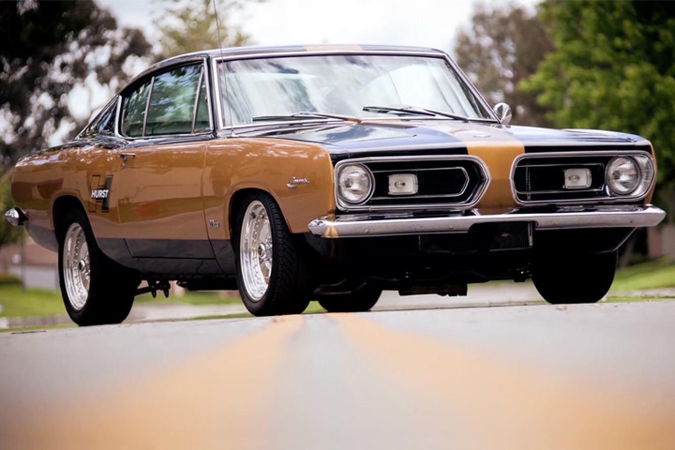 Jay Leno Takes a 500 HP Hurst Barracuda for a Spin