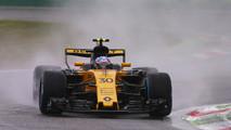 Carlos Sainz debut Renault 2017