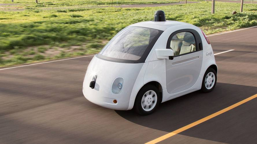 Government says driverless cars could be on the road by 2021