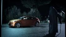 Polêmica: Comercial do Hyundai Veloster ataca carros de 4 portas e é banido na Alemanha