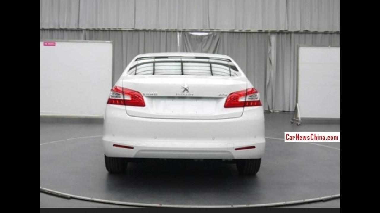 """Vazou: nova geração do Peugeot 408 aparece """"limpa"""" na China"""