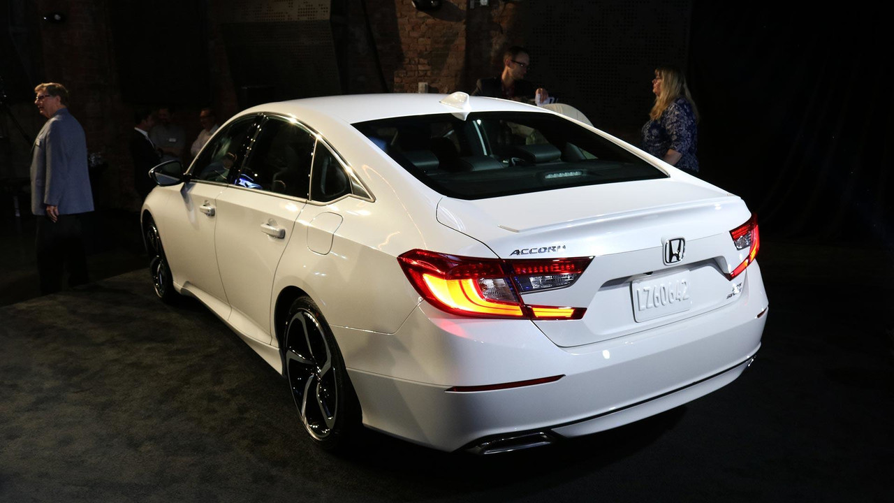 Honda Accord Lease >> VWVortex.com - All-new 2018 Honda Accord sedan unveiled - Features a new lineup of turbocharged ...