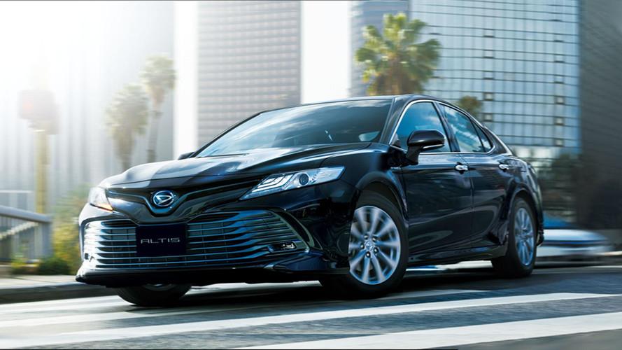 Toyota Camry Rebadged As Daihatsu Altis, Again