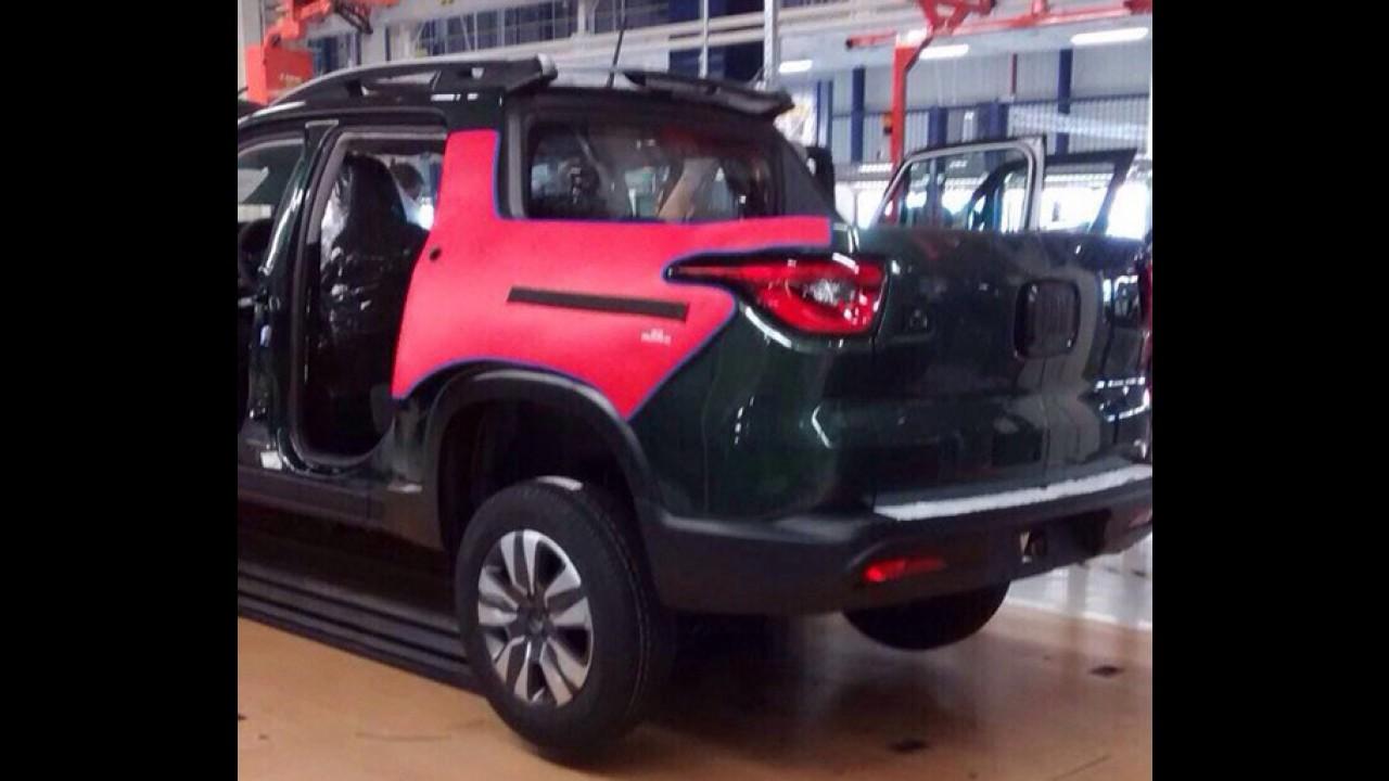 """Flagra! Nova picape da Fiat aparece """"limpinha"""" na linha de montagem"""