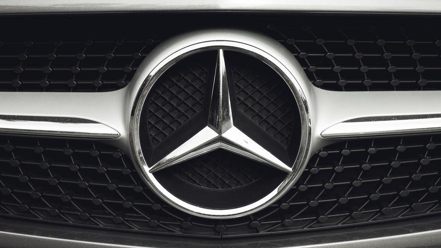 A Mercedes-Benz egészen biztosan életben tartja a V12-es motorokat