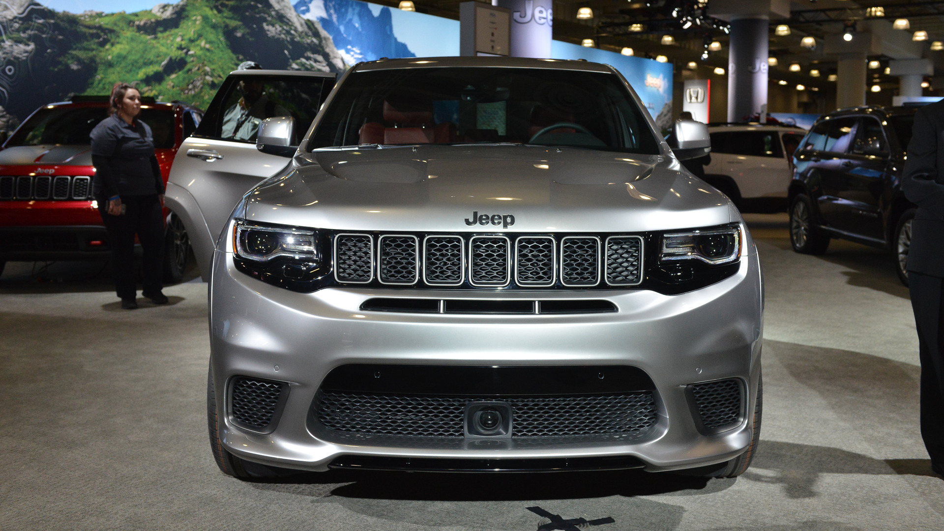 jeep grand cherokee trackhawk makes 4 wheel dyno run at debut. Black Bedroom Furniture Sets. Home Design Ideas