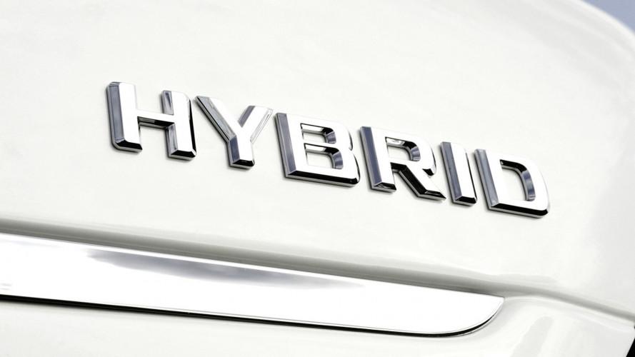 Per 1 italiano su 3 la prossima auto sarà ibrida o elettrica