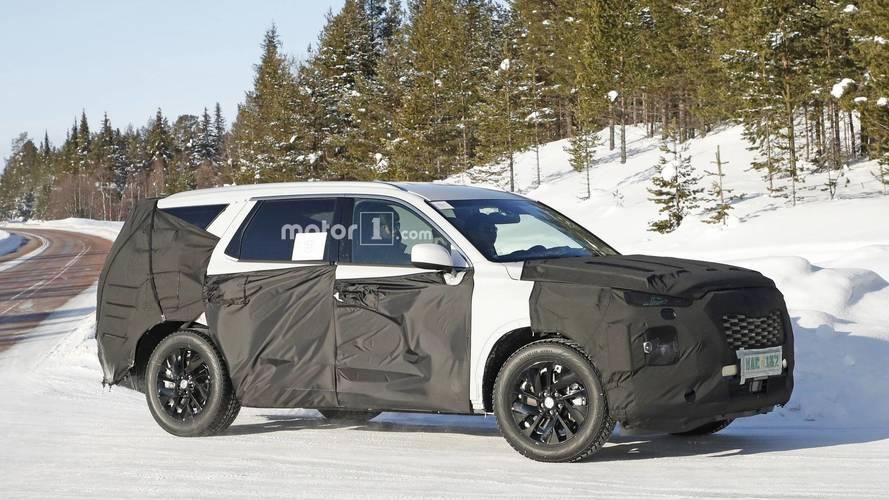 8-Seat Hyundai SUV new spy photos