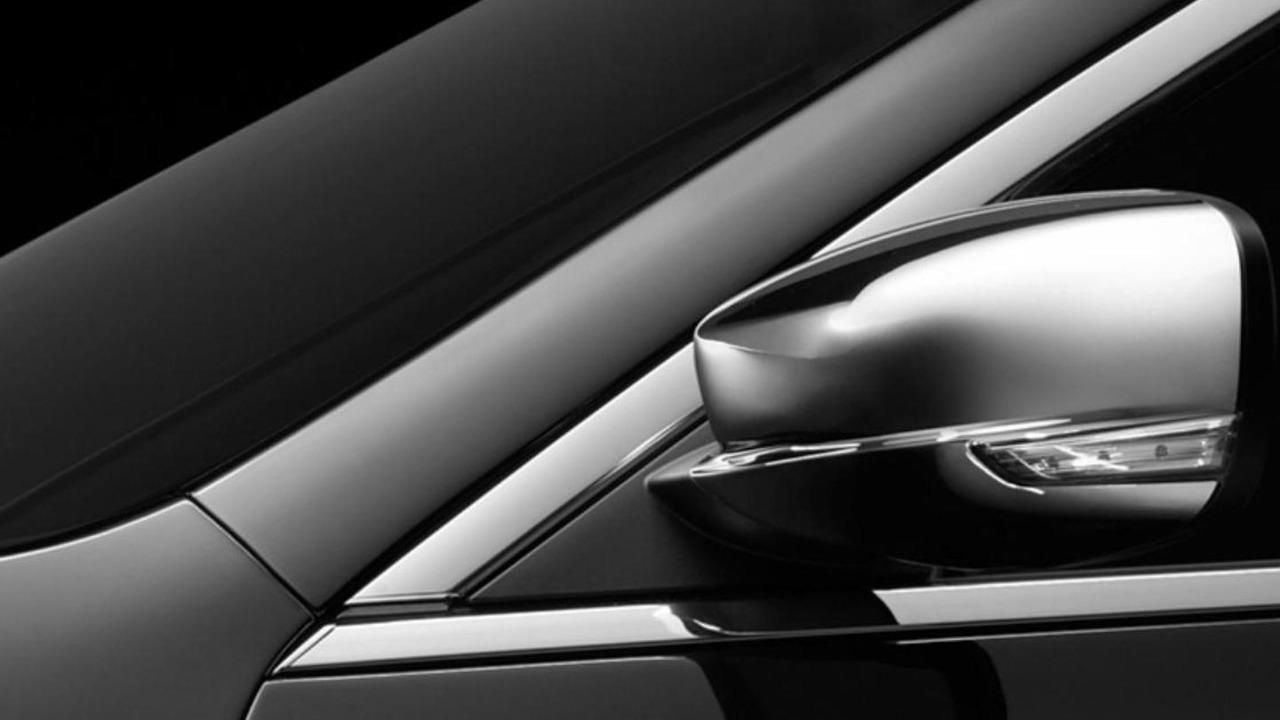 2011 Chrysler 300 teaser images - 11.22.2010