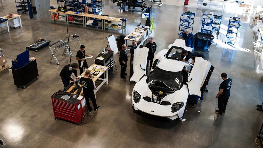 Primeiro Ford GT 2017 sai da linha de montagem no Canadá