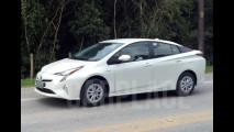 Exclusivo! Flagramos no Brasil o novo Toyota Prius, que chega em junho