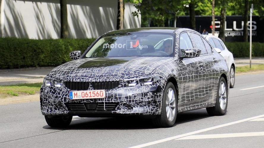 La nuova BMW Serie 3 si scopre un po' di più