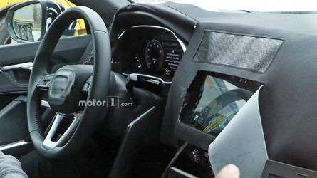 Flagra - Novo Audi Q3 mostra boa parte de seu interior