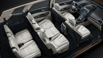 Ford unveils a seven-seat Edge in China