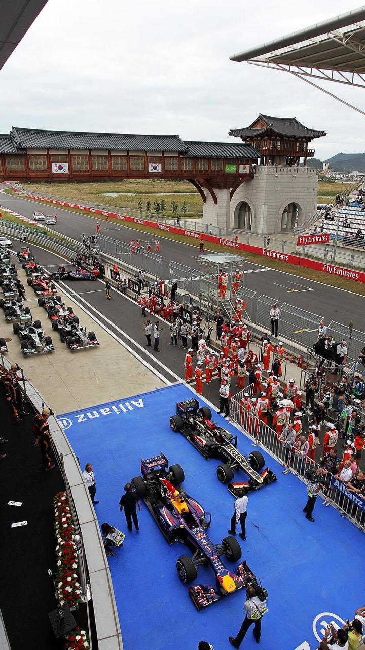 The cars in parc ferme, 2013 Korean Grand Prix / XPB
