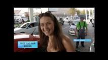 Ukrayna'da Bikiniyle Gelene Benzin Kampanyası İzdiham Yarattı