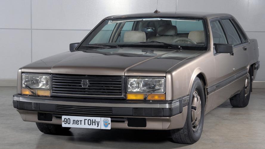 Soviet Bloc Cars Were Weird: ZIL-4102