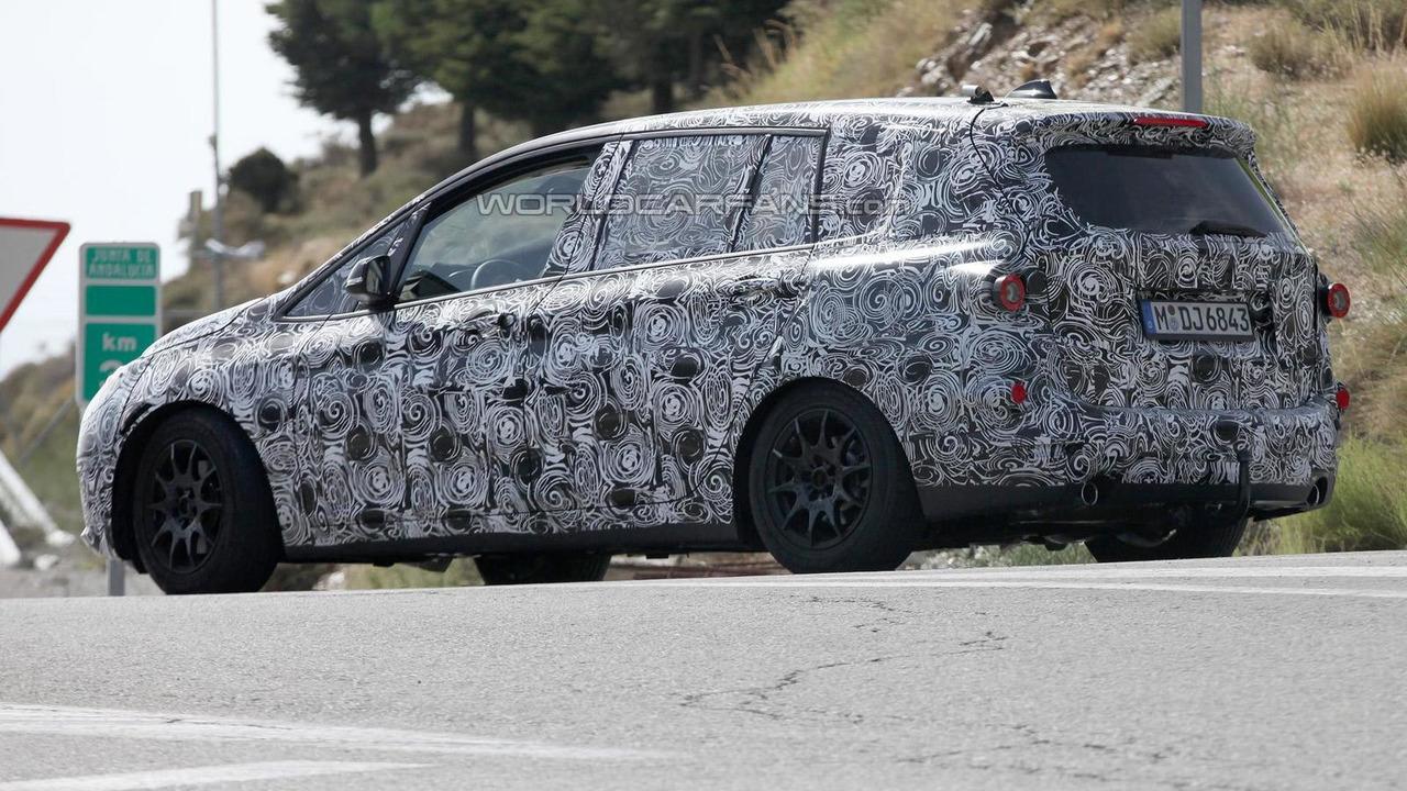 BMW 1-Series CAT spy photo 07.08.2013