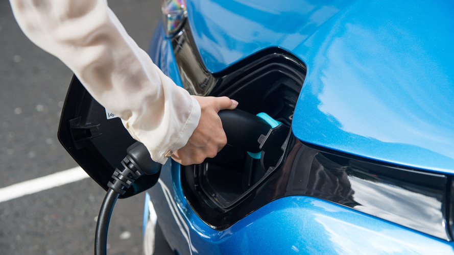 Leading car makers team up to create EU EV charge network