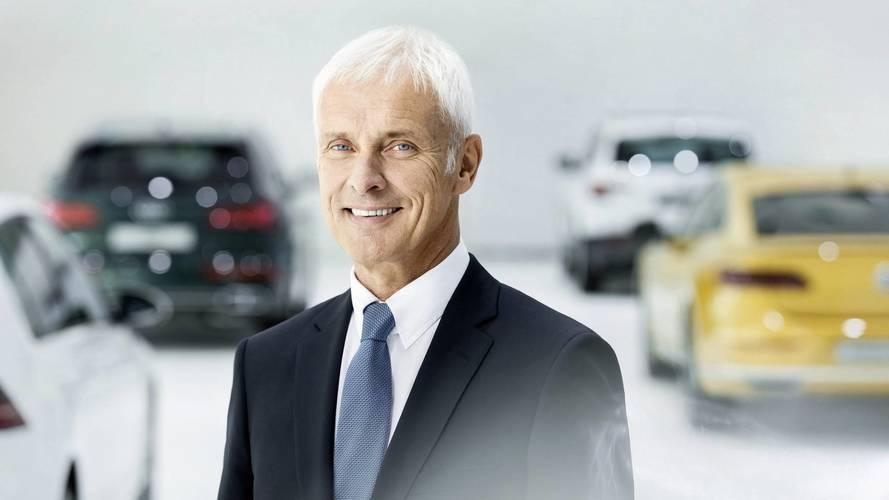 Chefão da VW critica Tesla por perder milhões e vender pouco